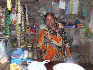 Solidair met India_Vrouw in haar eigen winkeltje